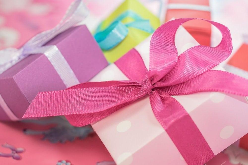 Oryginalne prezenty ślubne – sprawdzone pomysły