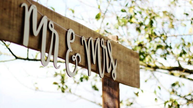 Jak się nazywają się rocznice ślubu? Nazwy i znaczenie.